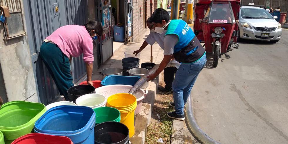 Se distribuyeron más de 238,mil 025 pollos y 2 millones 512 mil galones de agua potable. (Foto: MML)