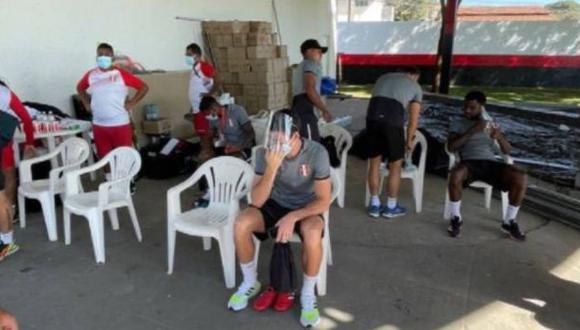 Renato Tapia expresó su molestia por las condiciones del lugar asignado para el trabajo de la selección peruana. (Foto: Instagram)