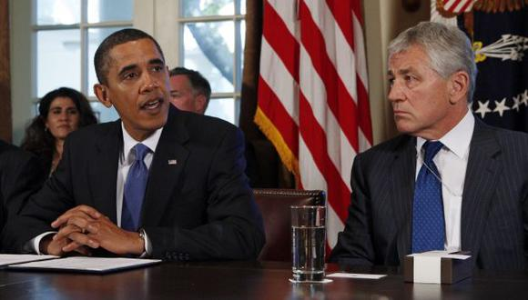 Obama considera que Hagel realiza un buen trabajo. (Reuters)