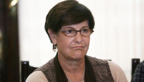 Se le rebelan. Alcaldesa afronta críticas por polémica ordenanza. (David Vexelman)