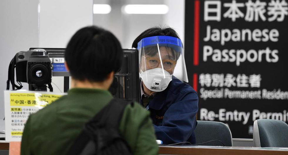 Imagen referencial. El ministro no proporcionó la identidad ni la nacionalidad de los contagiados con la nueva variante de coronavirus, aparentemente mucho más contagiosa que la que surgió a finales del año pasado en la ciudad china de Wuhan. (AFP).