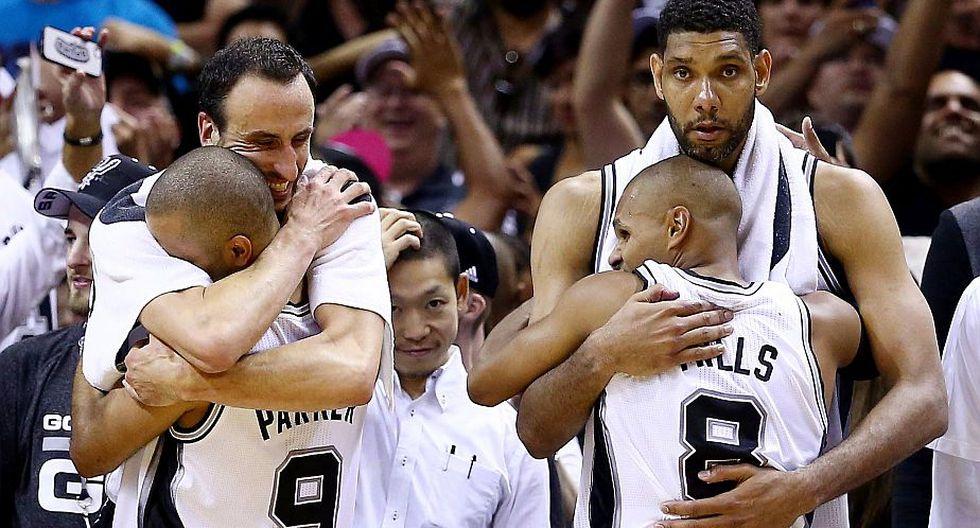 Los de San Antonio celebran su quinto anillo de campeón en la NBA. (AFP)