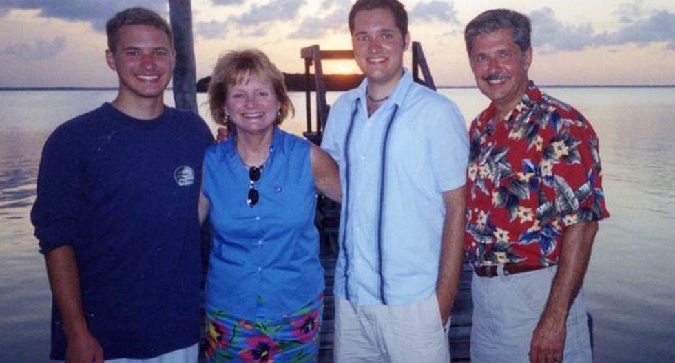 """De izquierda a derecha, Kevin, Patricia, Thomas """"Bart"""" y Kent Whitaker. (Foto cortesía de Kent Whitaker)"""