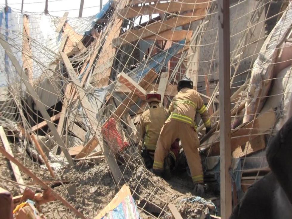 Dos personas quedaron atrapadas tras el derrumbe del techo de una obra de construcción. (Foto: Municipalidad de La Victoria)