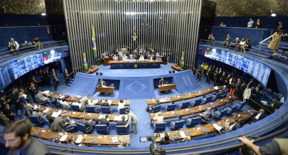 Fase clave del juicio político impulsado contra Dilma Rousseff fue debatida en el Pleno del Senado de Brasil. (EFE)