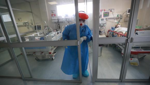 El incremento de casos de coronavirus tiene una relación directa con el uso de camas de cuidados intensivos (Foto: Lino Chipana)