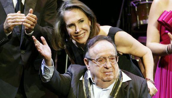 Florinda Meza sigue protegiendo a 'Chespirito' luego de su muerte. (AP)