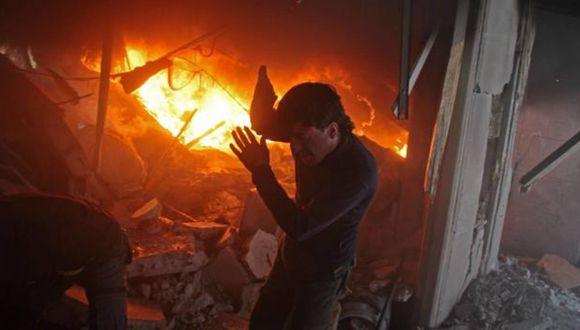 Ataque de las fuerzas afines a Assad contra combatientes de las SDF en El Guta Oriental (AFP)