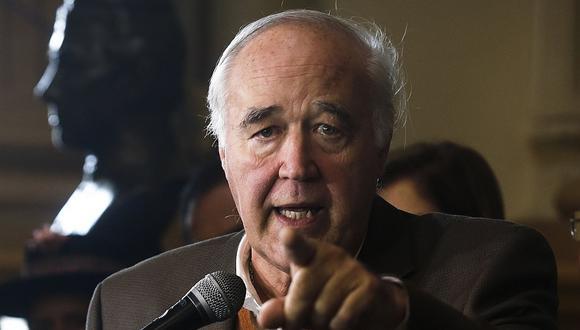 El congresista Víctor Andrés García Belaunde consideró que el error no cambia la buena imagen que tiene del juez César San Martín. (Foto: USI)