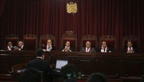 PLENO SE PRONUNCIA. Magistrados exigen una explicación a su colega por presunto 'arreglo' de casos. (César Fajardo)