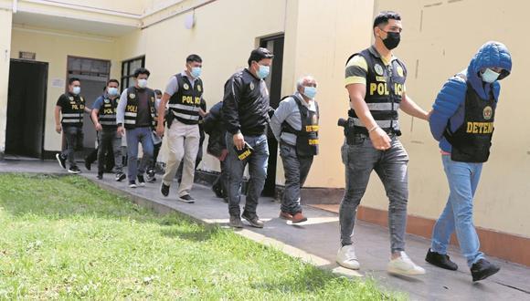Los detenidos son investigados en las instalaciones de la División de Investigación Criminal de Trujillo. (Foto:PNP)