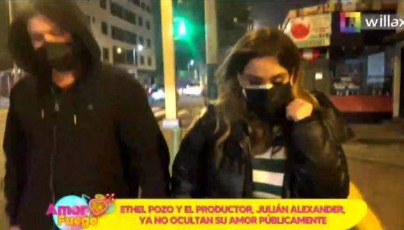 Ethel Pozo y Julián Alexander ya no ocultan su amor y se lucen cariñosos en un restaurante. (Foto: captura de video).