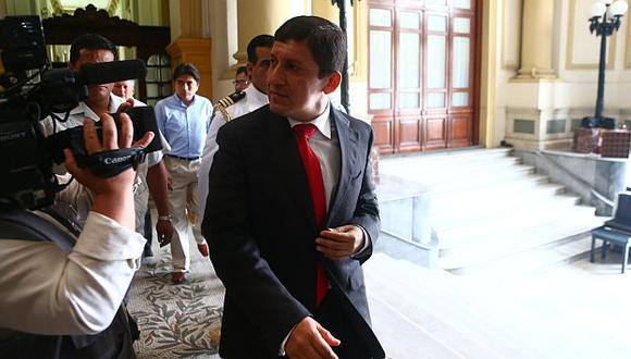 Víctor Isla no se hace problemas con graves antecedentes de Freitas. (Rafael Cornejo)