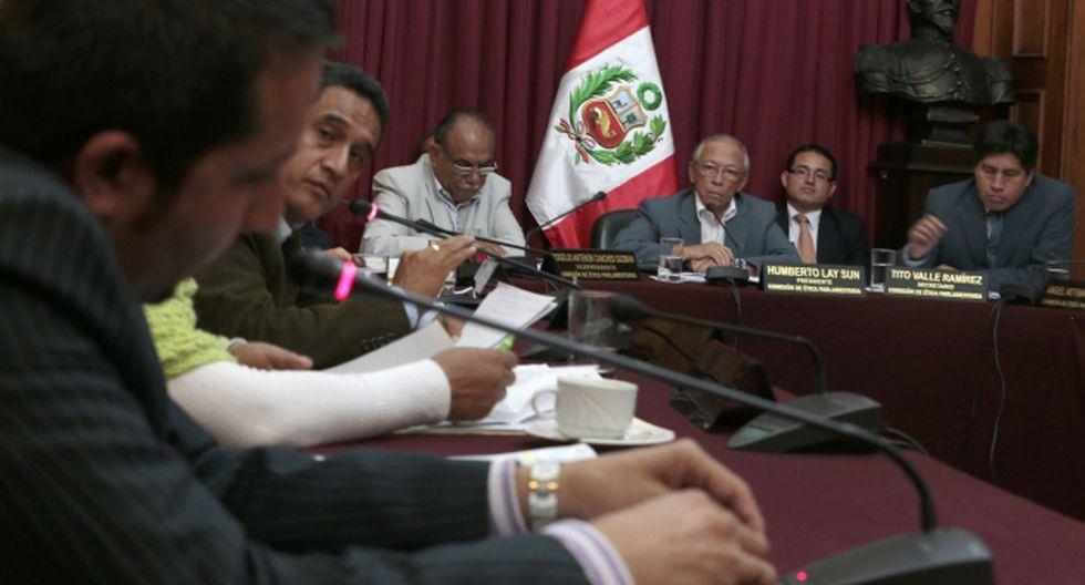Julio Gagó: Extrabajadores complicaron la situación del congresista. (Martín Pauca)