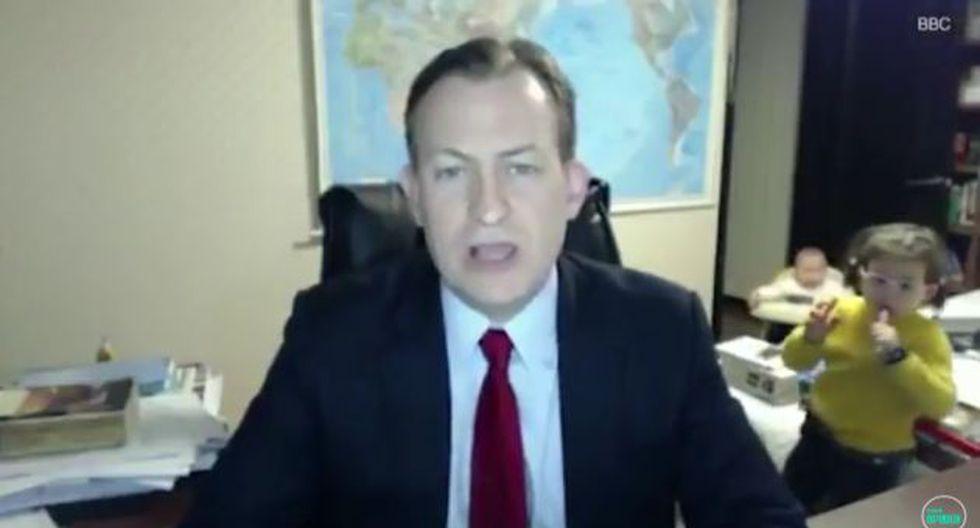 Profesor pasó divertido momento durante entrevista en vivo con la BBC.
