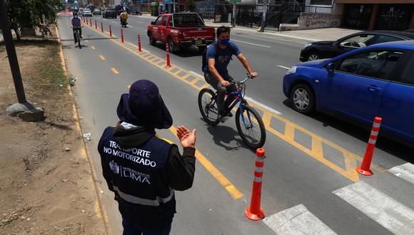 Municipalidad de Lima realiza mantenimiento a ciclovías CICLOVIA, AVENIDA LA MARINA. FOTOS: ALESSANDRO CURRARINO/EL COMERCIO