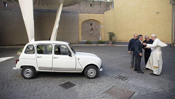 Papa Francisco conducirá un Renault 4, su propio papamóvil. (Reuters)