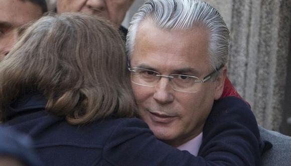 A pesar de ser absuelto, Baltasar Garzón no podrá ejercer como juez. (AP)