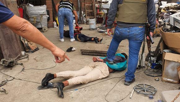 Delincuentes fueron reducidos y capturados tras tiroteo. (PNP)