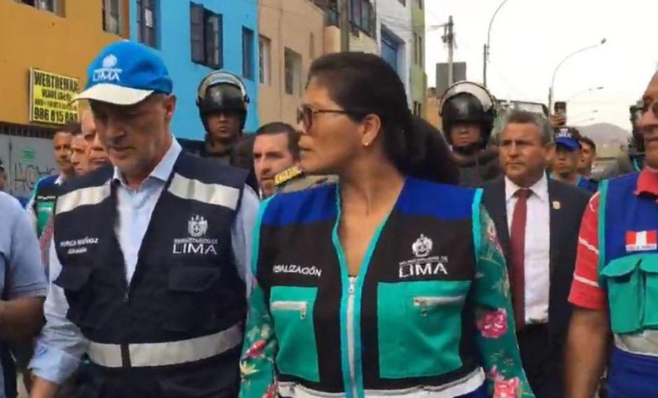 Muñoz llegó a de Gamarra para supervisar las acciones de recuperación en los alrededores. (Foto: Captura MML)