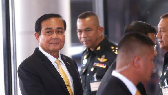 El primer ministro tailandés, Prayut Chan-o-cha, llega a una reunión de partidos políticos de cara a las elecciones generales en el Real Club del Ejército tailandés en Bangkok. (Foto: EFE)