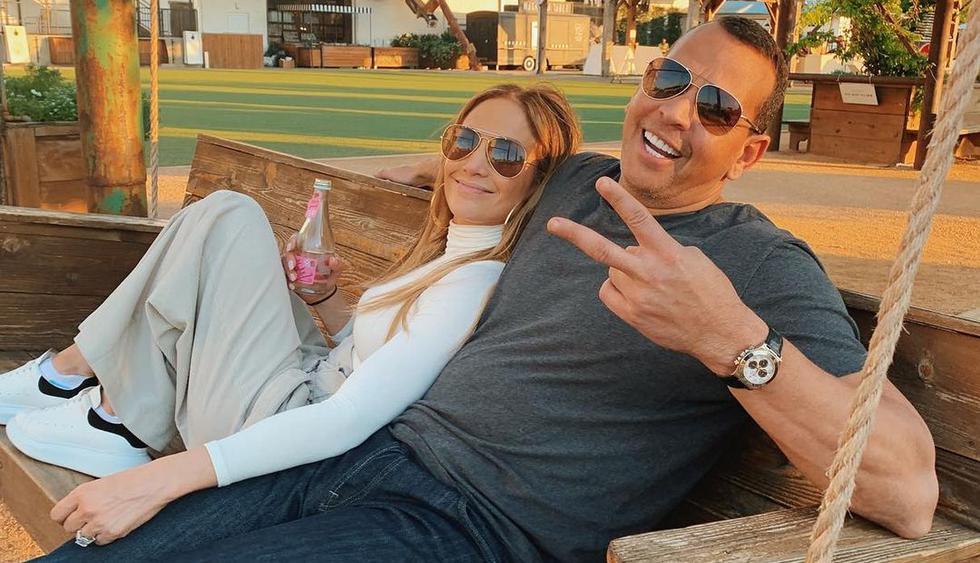 Jennifer Lopez y su desafiante fotografía al lado de Álex Rodríguez. (Foto: @arod)