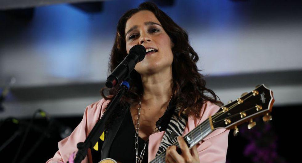 La mexicana Julieta Venegas podría llevarse el Grammy al Mejor Álbum Pop Contemporáneo, gracias a su producción Los momentos. (AP)