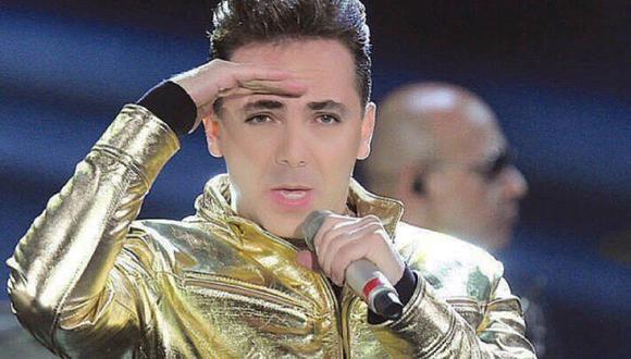 El cantante nuevamente causó polémica en uno de sus conciertos. (@ristiancastro_oficial)