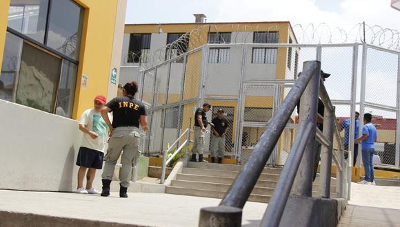 Herrera manifestó que para contrarrestar esta problemática han tenido que intensificar los operativos en el interior y exterior de esta cárcel. (USI)