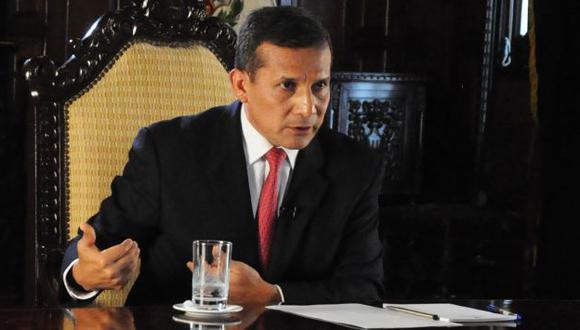 DOLOR DE CABEZA. El jefe de Estado no ocultó su malestar por los problemas causados en la familia. (Difusión)