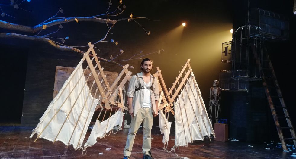 Óscar Meza interpreta a Santiago de Cárdenas en la puesta teatral dirigida por Nishme Súmar (Teatro La Plaza).