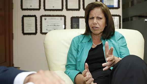 Lourdes Flores admitió que es madrina del hijo de Ernesto Blume. (USI)