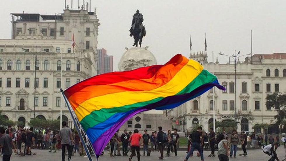 Municipalidad de Lima no permitió que la Marcha del Orgullo Gay ocurra en la Plaza San Martín. (Composición)