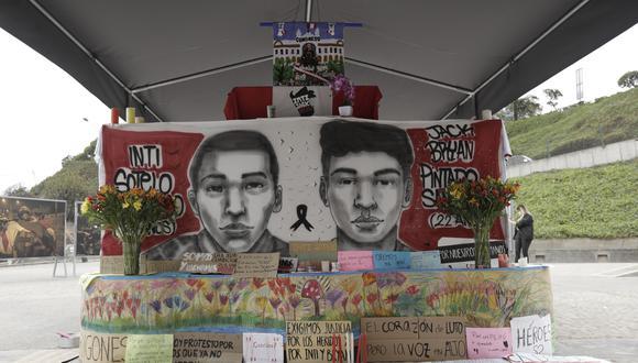 Exposición fotográfica de la Generación del Bicentenario en la marcha en Lugar de la Memoria.