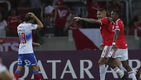 Paolo Guerrero marcó doblete en Inter vs U. Católica por Copa Libertadores. (Foto: AFP)