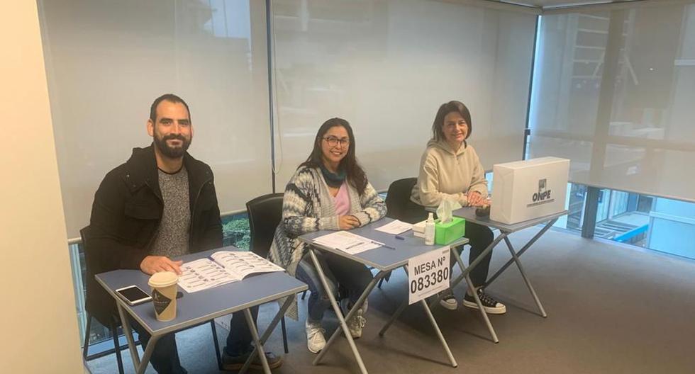 Se instalan las primeras mesas de votación para la Segunda Elección Presidencial 2021 en Wellington, Nueva Zelanda. (Foto: Twitter | Cancillería Perú)