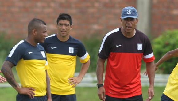 Wilmer Aguirre agradeció a Wilmar Valencia su apoyo. (Eddy Lozano/Depor)