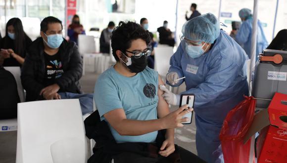 La vacunación contra el coronavirus (COVID-19) avanza en el país. (Foto: Britanie Arroyo / @photo.gec)