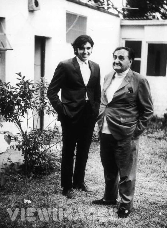 Víctor Raúl Haya de la Torre y un joven Alan García. (Foto: Difusión)