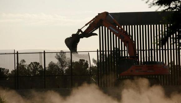 En distintos puntos fronterizos de Texas se pueden ver trabajos de construcción o sustitución del muro. (Foto referencial: Reuters).
