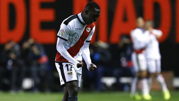 El mensaje de Luis Advíncula tras su gol y la caída de Rayo Vallecano. (Foto: AFP)