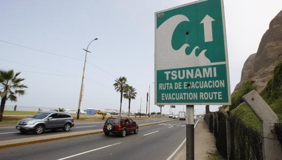 Solo en Miraflores existen varios carteles que señalan las rutas de evacuación. (Luis Gonzales)