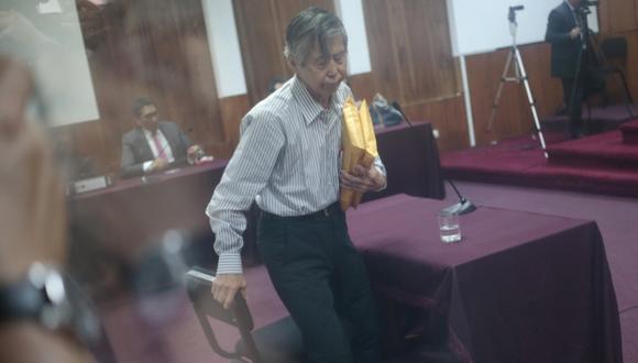 CARA Y SELLO. Fujimori elogia a su exasesor Montesinos, pero dice que ignora los delitos que cometía. (César Fajardo)