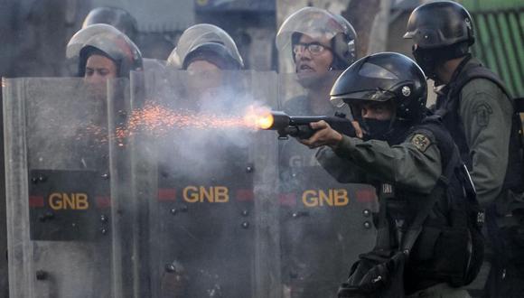 """La fuente se mostró """"optimista de que las Fuerzas Armadas"""" cumplirán con su responsabilidad de """"proteger al pueblo de Venezuela. (Foto: EFE)"""