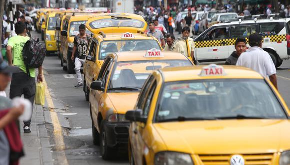 Taxis bajo la lupa. Conductores tendrán que solicitar el permiso de circulación en un solo lugar. (Foto: Rolly Reyna/GEC)