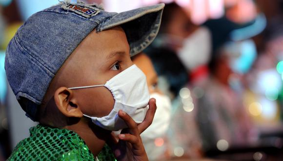 Sin una vacuna destinada a los menores de edad, el coronavirus supone también una amenaza para los niños. (Foto: AFP)
