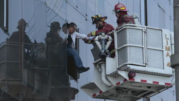 CONTROLADO. Al lugar acudieron 15 unidades de los bomberos. (César Fajardo)