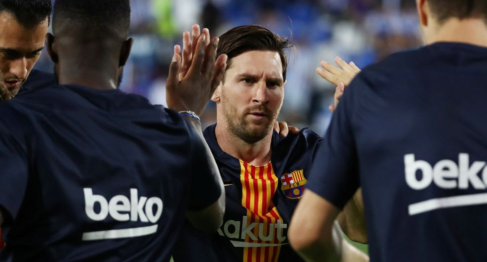 Lionel Messi va al banco del FC Barcelona por primera vez en la temporada. (Foto: Reuters)