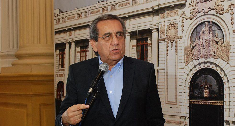 """El congresista Jorge del Castillo calificó como una """"amenaza"""" el discurso de Salvador del Solar. (Foto: Congreso)"""