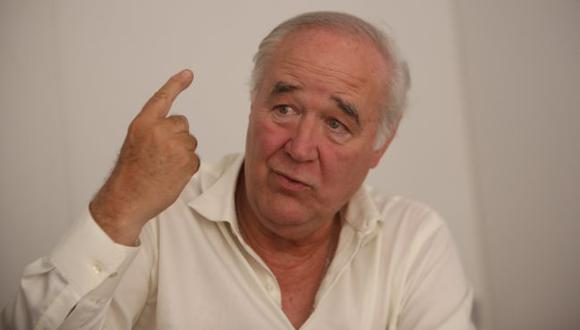 Víctor García Belaunde (Luis Centurión)